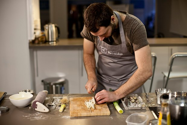 Шеф дома: Котлета из цесарки и пирог-галета Дениса Крупени. Изображение № 118.