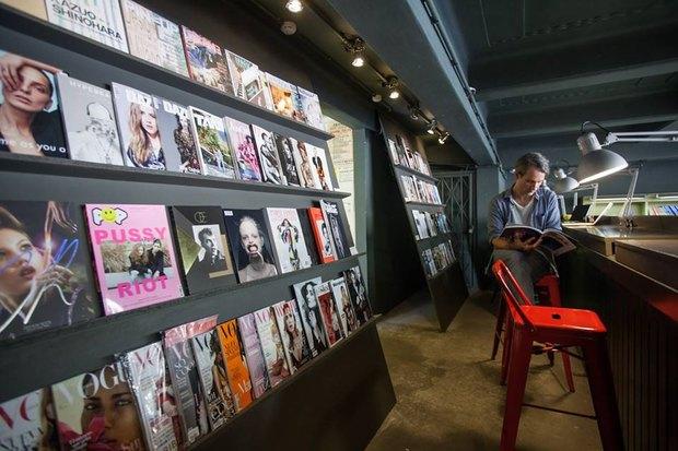 Lebigmag открыл читальный зал вкнижном магазине «Подписные издания». Изображение № 1.