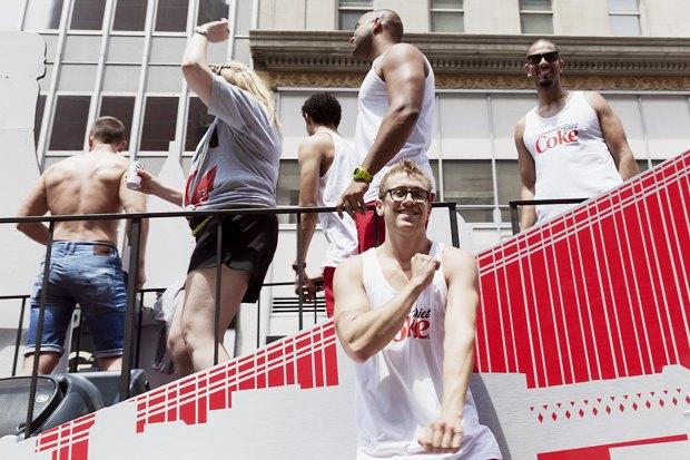 Радужный триколор: Как Nokia, Citi, Coca-Cola, Nike, Ford относятся к ЛГБТ-сотрудникам в России. Изображение № 4.