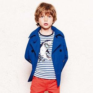 Свитшот Maison Kitsuné, кроссовки adidas Originals, платье AllSaints. Изображение № 4.
