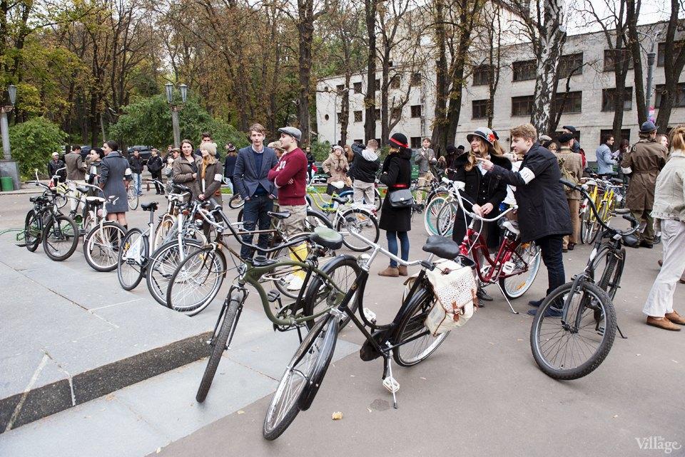 Твид выходного дня: Участники ретрокруиза — о своей одежде и велосипедах. Изображение № 7.