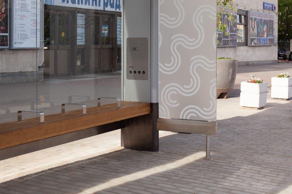 Wi-Fi, USB-порты и автомат попродаже билетов — вМоскве открыли современную остановку транспорта. Изображение № 12.
