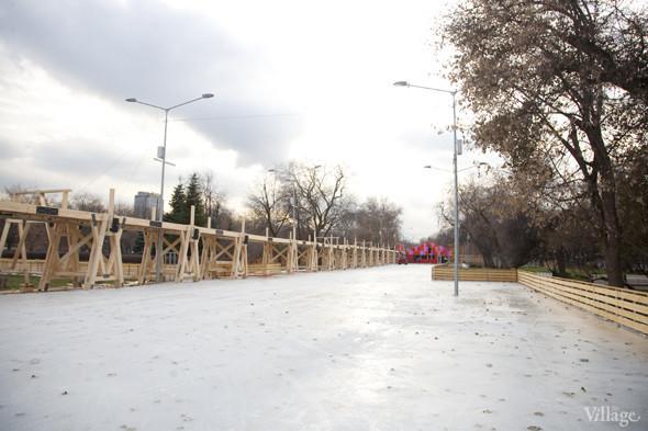 В парке Горького залили каток. Изображение № 12.