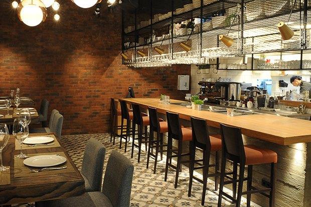 Рестораны Erwin, «Ехал грека через реку» и Friendly, бар 15 Kitchen+Bar. Изображение № 4.