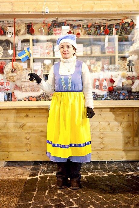 Люди в городе: Продавцы рождественской ярмарки на Островского. Изображение № 49.