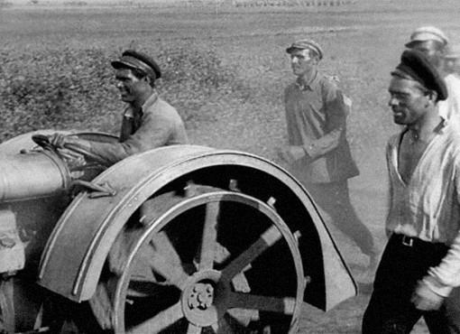 Кадр из фильма А. Довженко «Земля». Изображение №1.