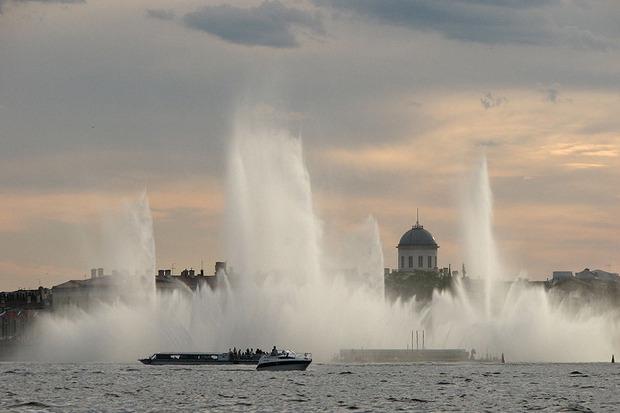 На Неву вернут плавучий фонтан. Изображение № 3.