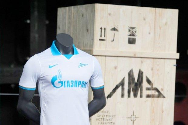 Футбольный клуб «Зенит» обновил форму и логотип. Изображение № 3.