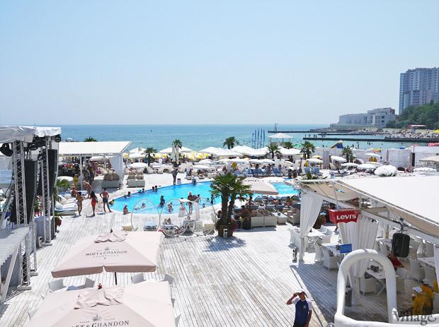 На песке: 5 пляжных клубов Одессы. Зображення № 11.