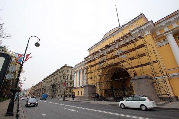 Фасады Адмиралтейства отреставрируют второй раз заполгода. Изображение № 1.