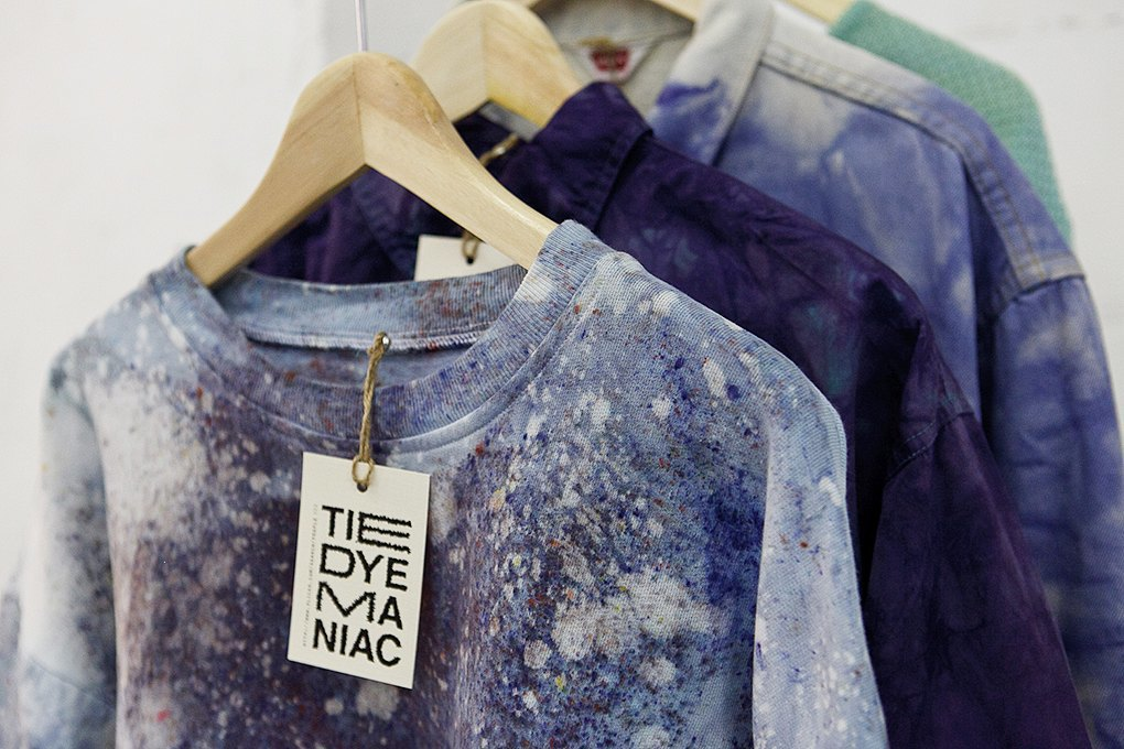 Окрашено: Как Tie-Dye Maniac делают бизнес настарой одежде. Изображение № 6.