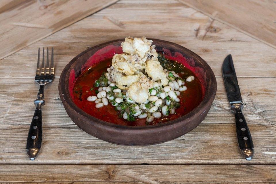Мини-осьминоги, салат из белой фасоли, песто, 490 рублей. Изображение № 15.