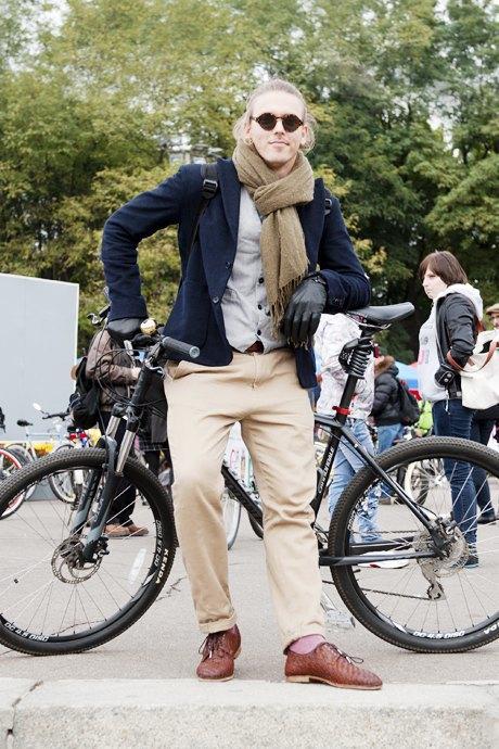 Твид выходного дня: Участники ретрокруиза — о своей одежде и велосипедах. Изображение № 15.