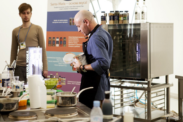 Omnivore Food Festival: Илья Шалев и Алексей Зимин готовят три блюда из редиса и черемши . Изображение № 26.