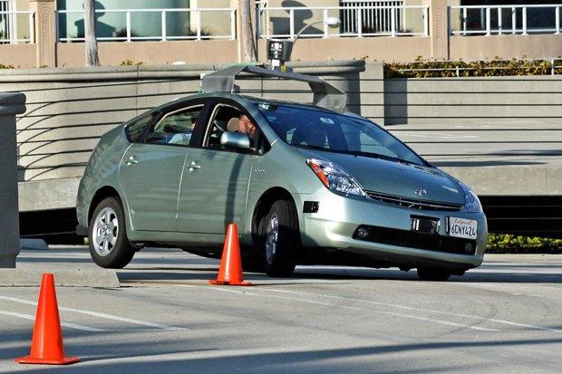 Водитель для веры: Александра Шевелева о беспилотных автомобилях Google и разочаровании в человеке. Изображение № 2.