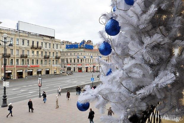 Фото дня: Петербург начали украшать к Новому году . Изображение № 3.