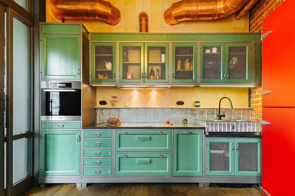 Четырёхкомнатная квартира наОстоженке скрасным холодильником и медными трубами. Изображение № 5.