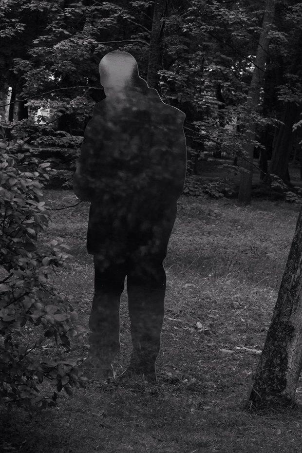 Зеркальные скульптуры «Ночлежки» в нижнем парке Петергофа FgBS4gZuqxIrkRPGg0D1yw-article