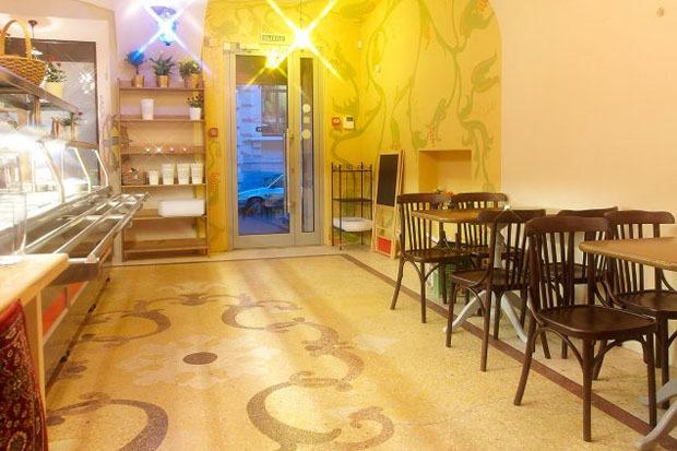 На Казанской открылось вегетарианское кафе с сейтаном. Изображение № 3.