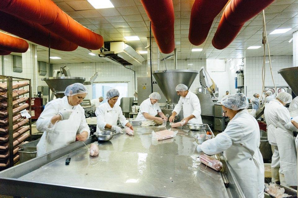 Как делают сосиски. Изображение № 13.