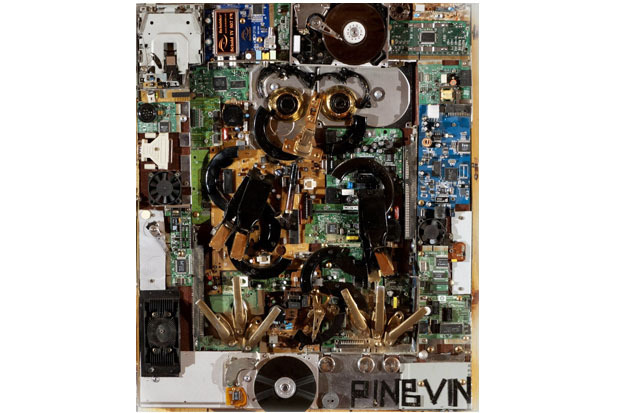 «Пингвин», 2005. Материал: деревянная подложка, электронные детали, оконные задвижки, мебельная фурнитура. Изображение № 1.