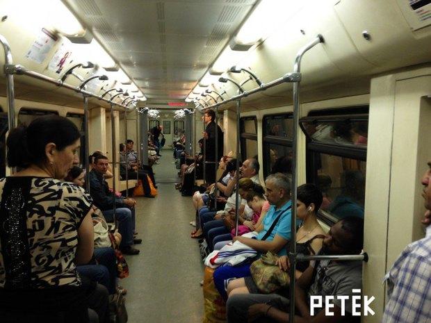 Ответственность за душ в метро взял на себя Петёк. Изображение № 2.