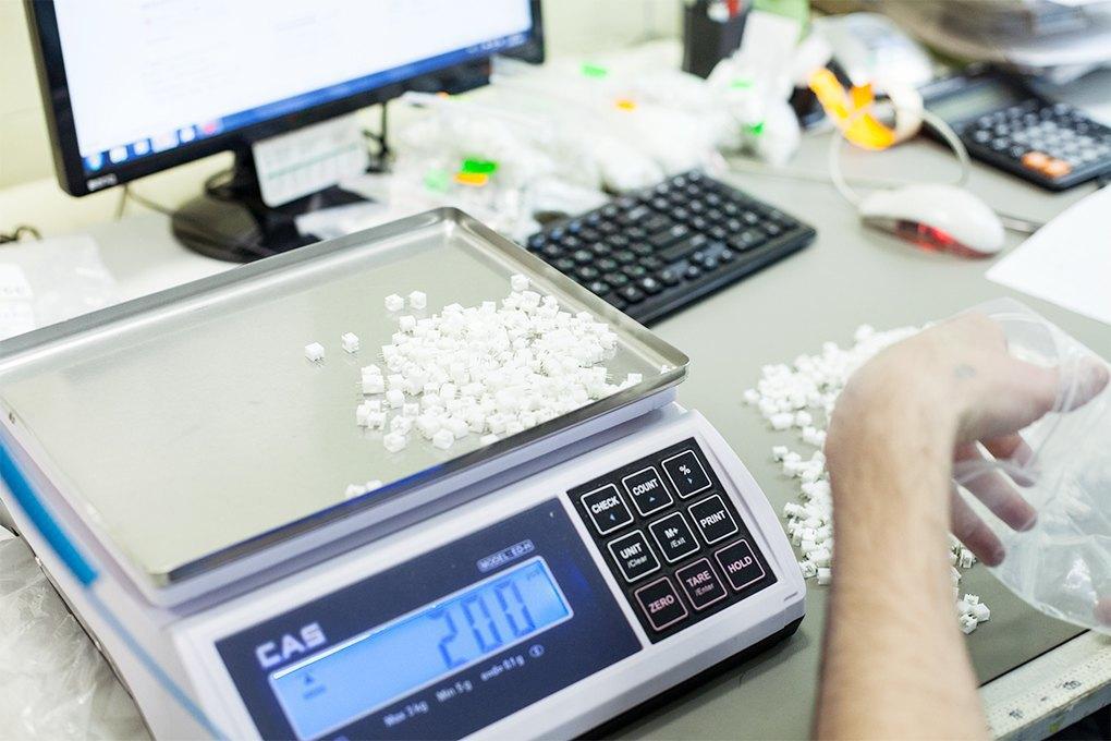 Производственный процесс: Как делают платы для электроники. Изображение № 6.