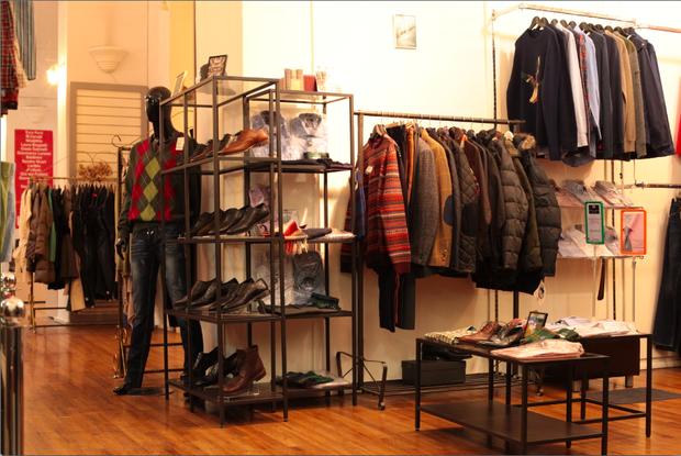 В «Пассаже» открылся магазин одежды английских марок . Изображение № 2.
