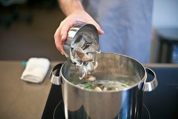 Шеф дома: Том ям и сашими из тунца Геннадия Иозефавичуса. Изображение № 50.