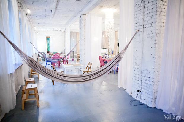 Смешной формат: Кафе при магазинах, студиях йоги исалонах красоты. Изображение № 22.