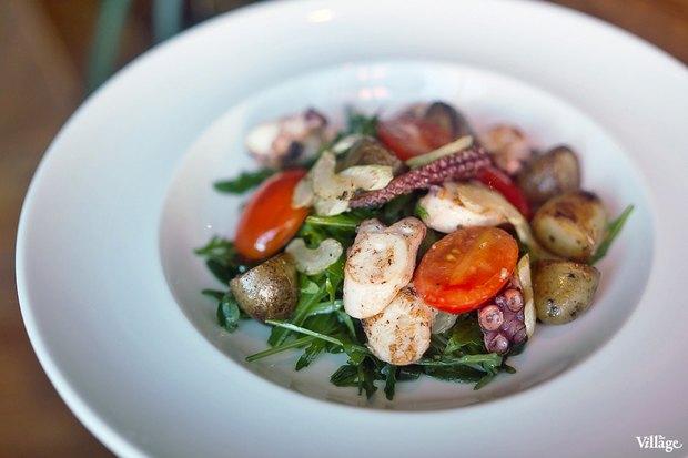 Теплый салат с осьминогом — 790 рублей. Изображение № 25.