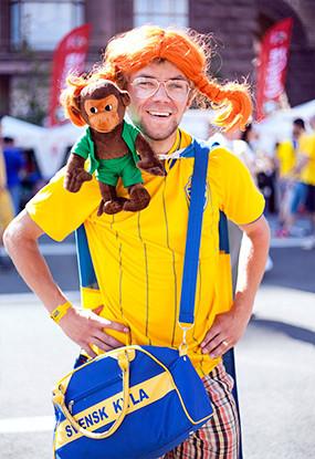 Жёлто-голубые: Самые яркие фанаты сборных Украины и Швеции. Изображение № 7.