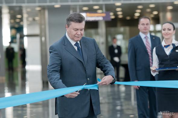 Фоторепортаж: В аэропорту Борисполь открыли самый большой на Украине терминал. Зображення № 16.