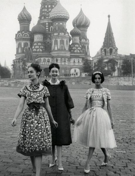«Энциклопедия ГУМа»: Как вМоскву 1959 года привезли Christian Dior. Изображение № 6.