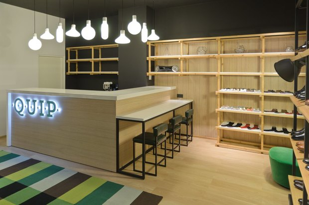 На Невском открылся магазин английской обуви . Изображение № 3.