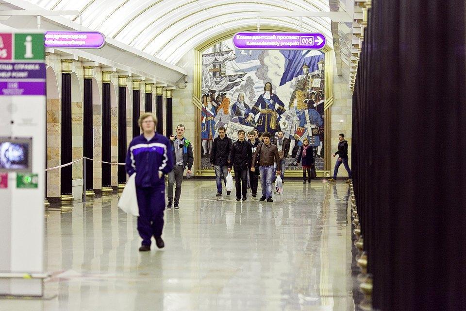 Люди в городе: Первые пассажиры ночного метро . Изображение № 4.