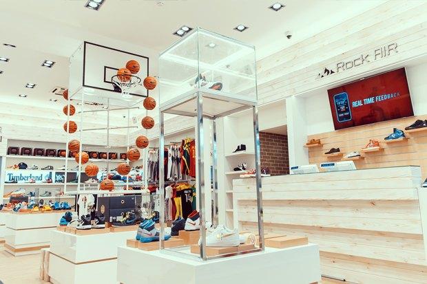 На Малой Садовой открылся магазин редких кроссовок . Изображение № 2.