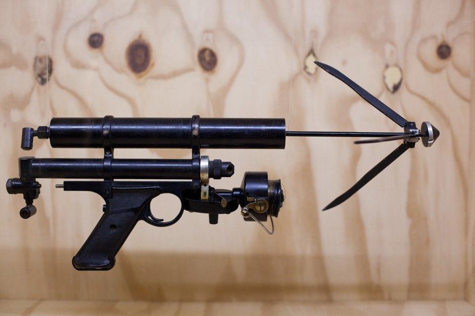 Что посмотреть навыставке «Дизайн007: 50лет стилю ДжеймсаБонда». Изображение № 11.