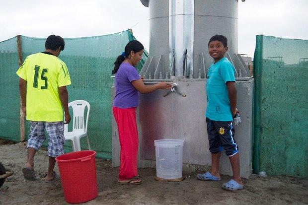Идеи для города: Питьевая вода с рекламного щита вЛиме. Изображение № 7.