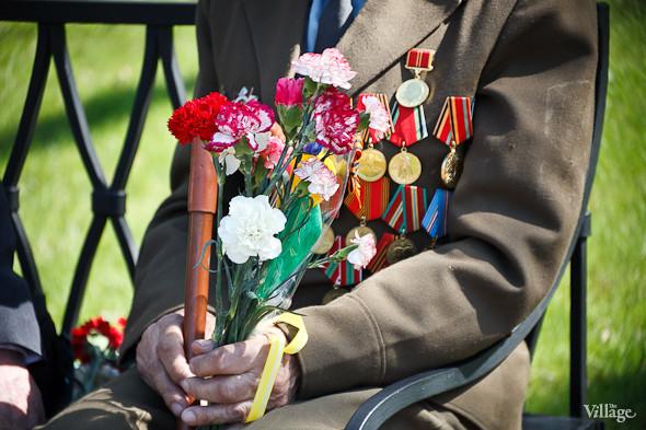 День Победы в Москве и Петербурге: Как гуляют и о чём вспоминают ветераны 9 Мая. Изображение № 77.