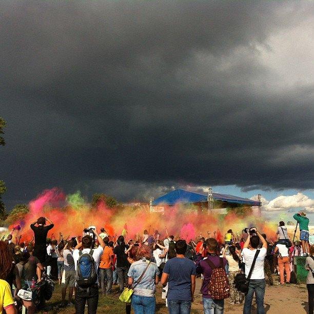 Вогнали в краску: В Киеве прошёл фестиваль «Холи». Изображение № 4.