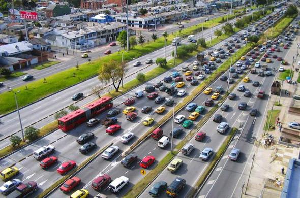 Выделенная полоса для автобусов в Боготе.. Изображение № 52.
