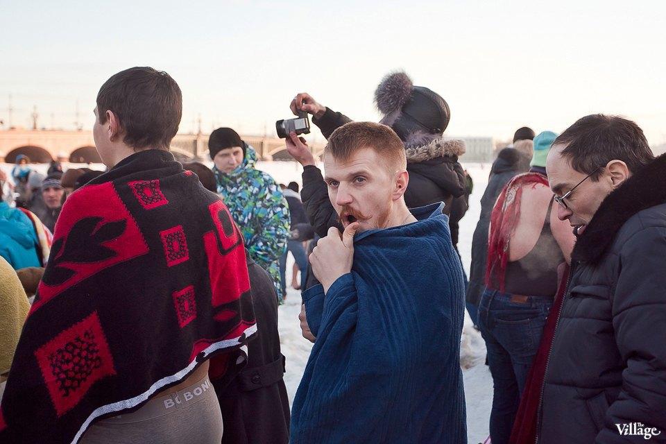 Люди в городе: Ныряльщики на Крещение. Изображение № 18.