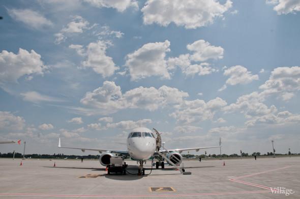 Фоторепортаж: В аэропорту Борисполь открыли самый большой на Украине терминал. Зображення № 34.