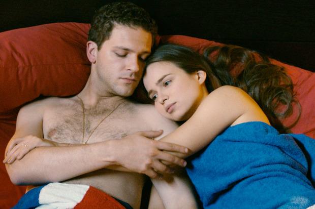 «Всё просто», романтическая комедия про дамочку, которая выбирает между Крюковым и Яценко. Изображение №1.