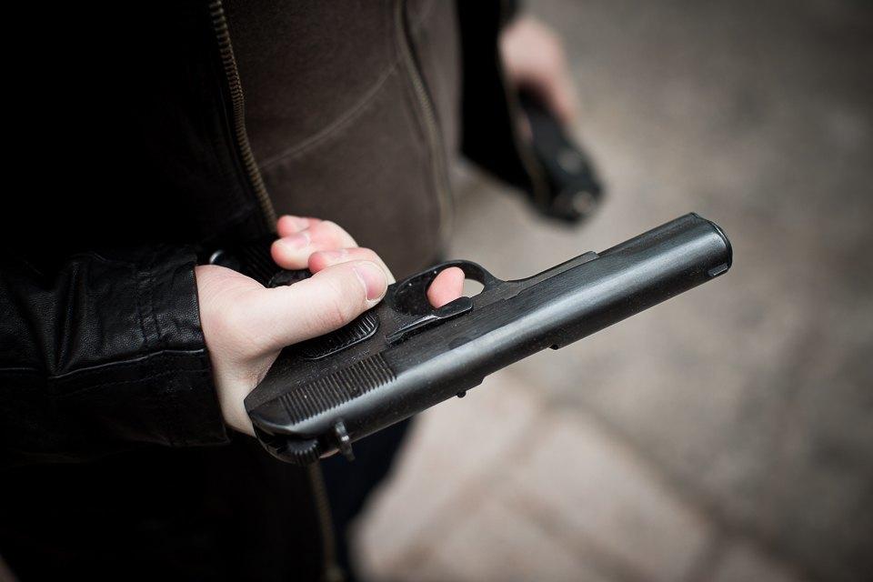Взять на пушку: Зачем горожанам травматическое оружие. Изображение № 6.