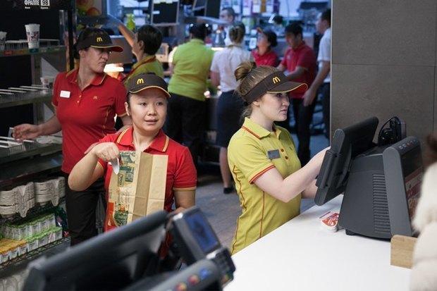 Рестораны Twins иBjorn, кафе Buro Canteen, новые Beverly Hills Diner иMax Brenner. Изображение № 7.