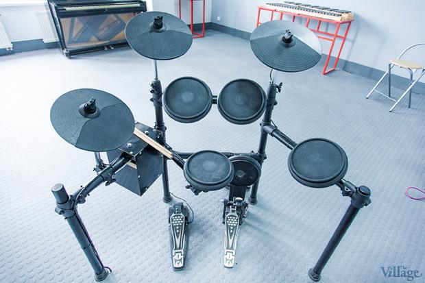 Барабаны на площадке акустики. Изображение № 10.