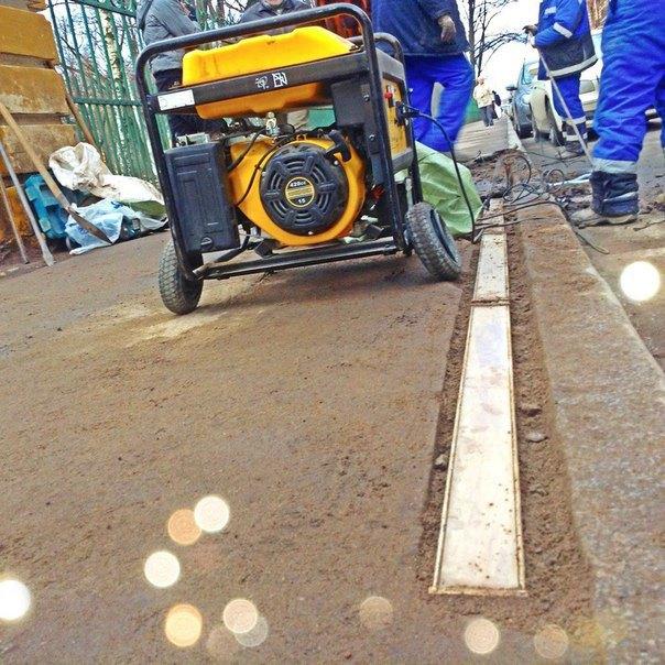 Пешеходный переход у Таврического сада оборудовали светодиодными ограничителями. Изображение № 2.