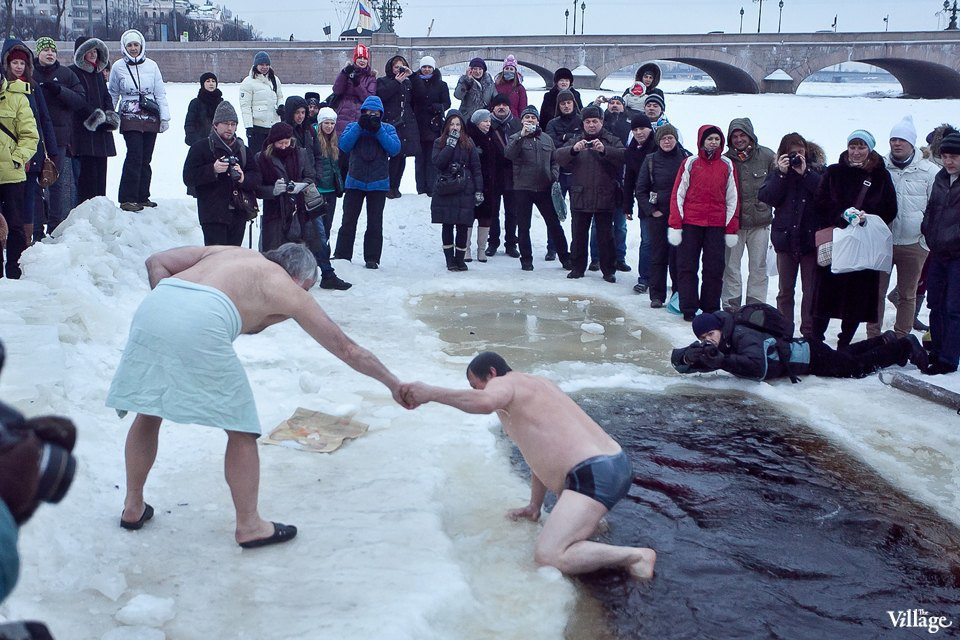 Люди в городе: Ныряльщики на Крещение. Изображение № 26.
